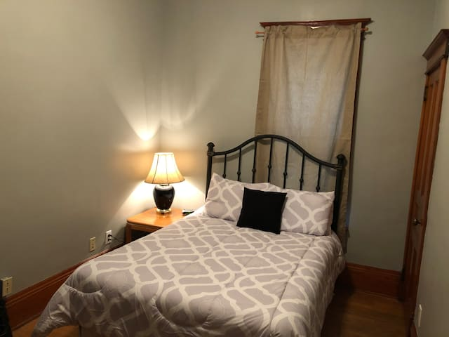Caledonia On The Bluff: 2nd Floor - Bedroom 2 of 3