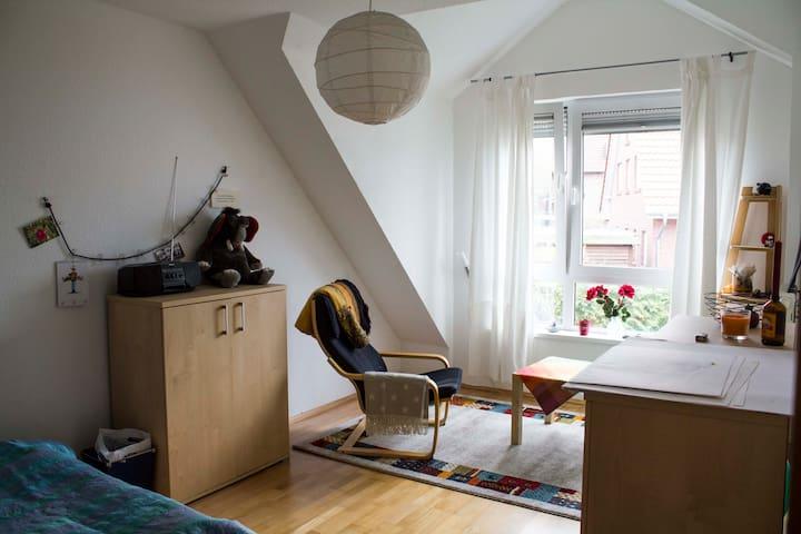 Ruhiges Zimmer nahe Sparrenburg - Bielefeld