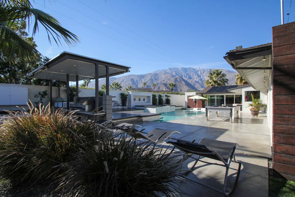 Back yard pool patio - with BBQ, 8 loungers, pool/ping pong table