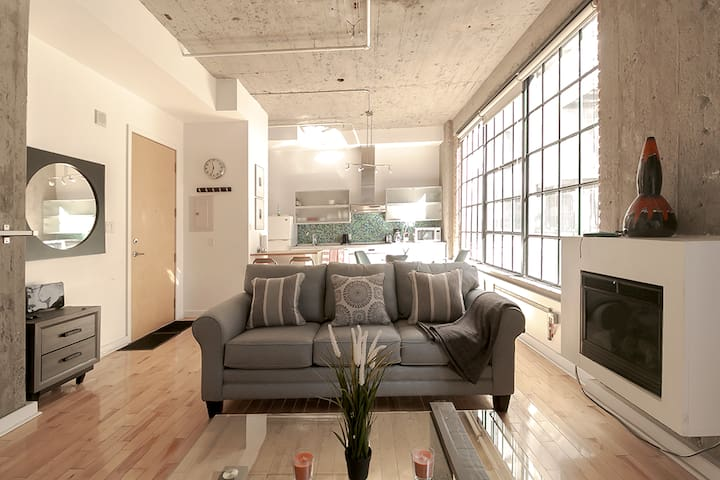 Stylish Fully Furnished Studio Apartment