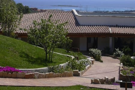 Lu Baroni - Porto Ottiolu - Bed & Breakfast