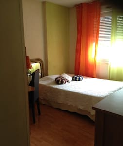 Chambre privée dans bel appartement - Houilles