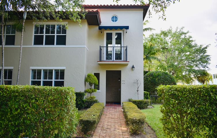 Your Home in the Heart of Coral Gables
