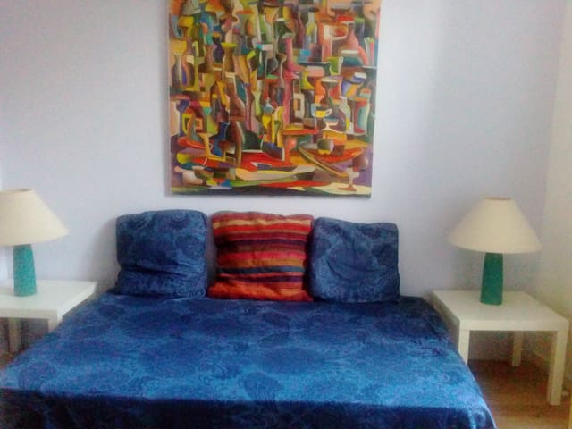 2 B&B bedrooms, in a house, 4mn of the metro