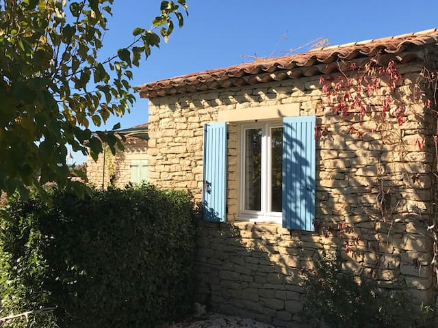 Lovely house with pool in Gordes - Gordes - Dom
