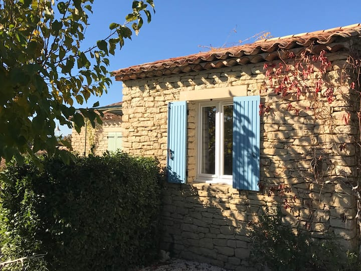 Lovely house with pool in Gordes