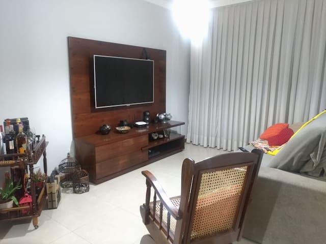 Apartamento com Varanda no Estrela Sul
