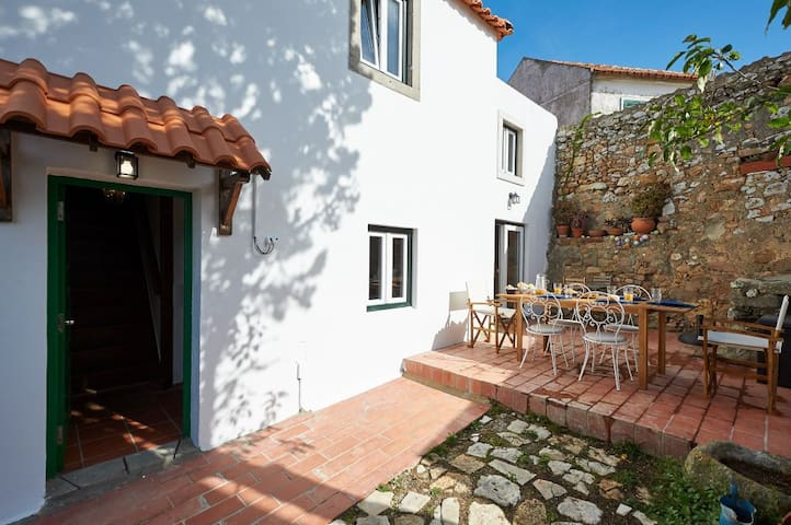 NEW Casalinho Macieira - sleeps 6, in Azoia/Sintra