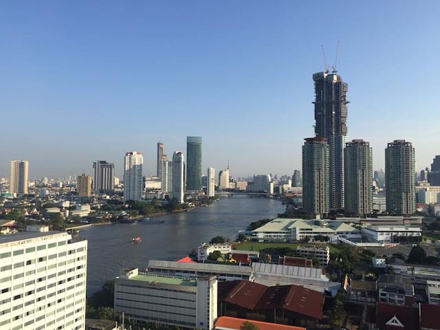 Near asiatique. Monthly Rental:1-2BDs (river view)