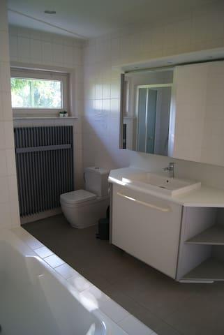 Badkamer 1 op gelijkvloers