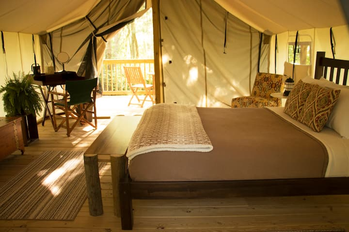 Seneca Sol Safari Tent - Maple (Queen Bed)
