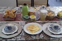 Café da manhã para 4 pessoas