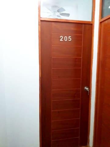 Mimati Home 205(Habitación matrimonial)