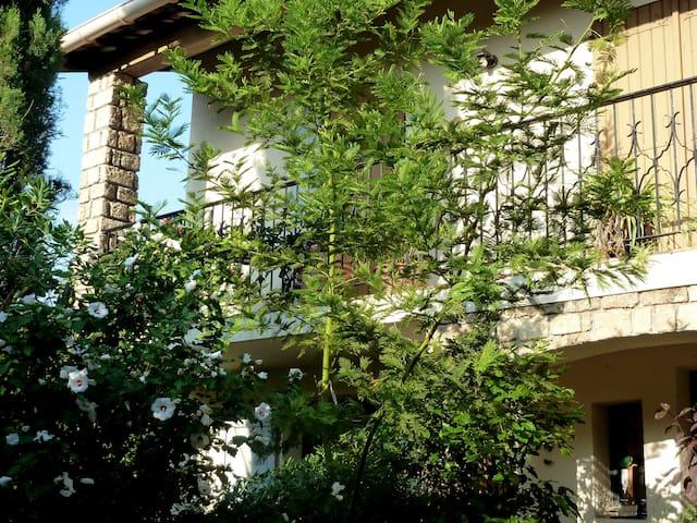 Appartement indépendant, terrasse, jardin, Le Crès