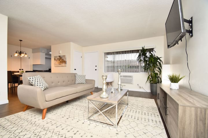 FULLY SANITIZED MODERN COZY 2 BEDROOM CONDO