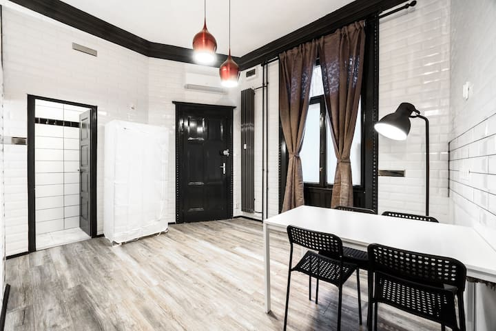 Charles City Duplex -  Studio 1