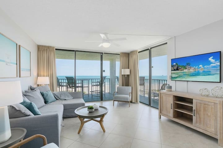 Penthouse Corner Unit with Direct Oceanfront Balcony