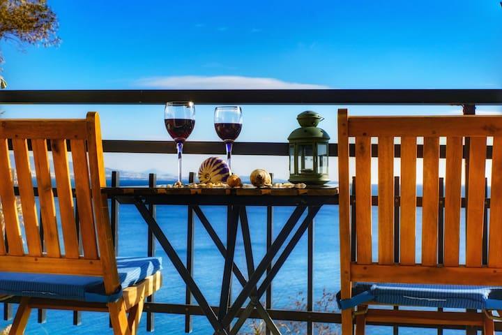Seaview Apartment Piraeus- Seaside amazing seaview