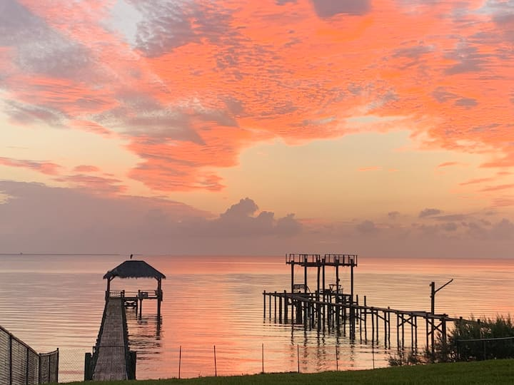 Amazing gulf view, private space, close to Houston