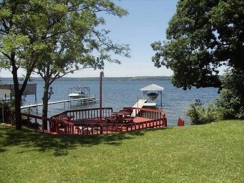Spacious Seneca Lake Waterfront Getaway
