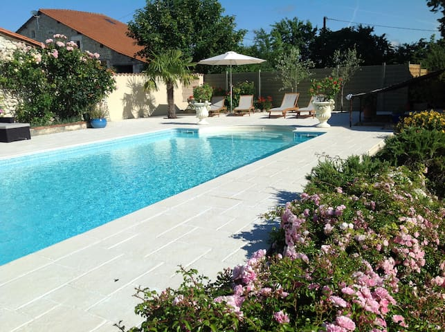 10m x 5m pool with steps