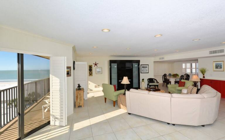 EP-508 Absolutely Gorgeous 3BR/3BA Beachfront with breathtaking views of Siesta Key!