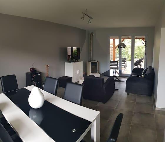 Chambre privée (n°2) dans maison individuelle