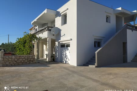 Apartments by the sea - Milla