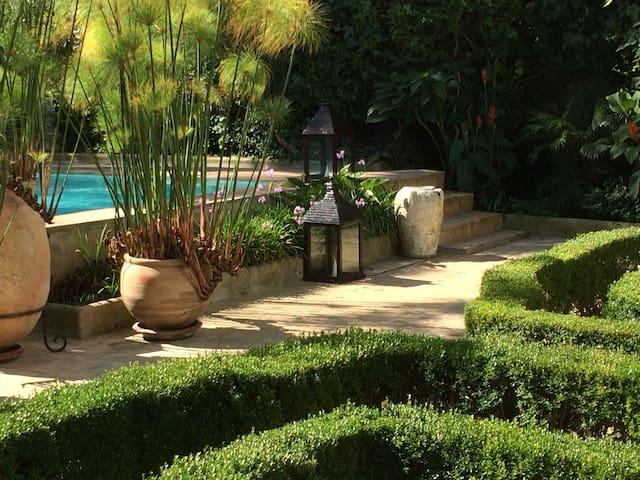 "Luxury Villa ""La PERLA"" with swimming pool, hammam"
