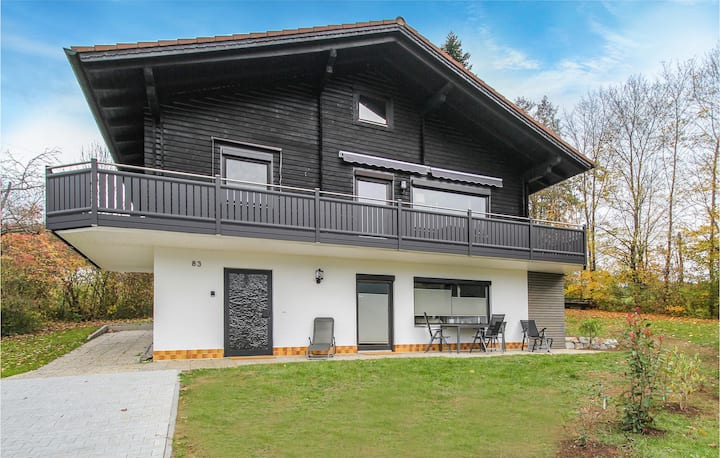 Holiday apartment with 2 bedrooms on 75m² in Arrach