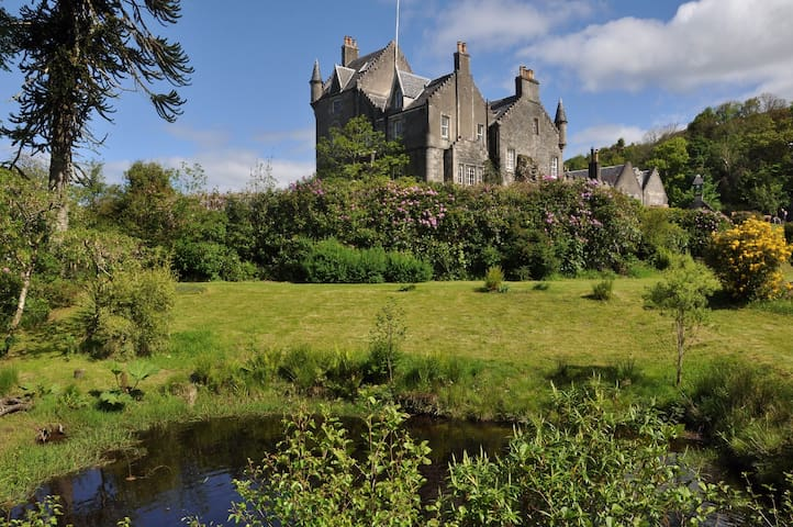 Lunga House. Small seaside Castle - Craobh Haven - Kasteel