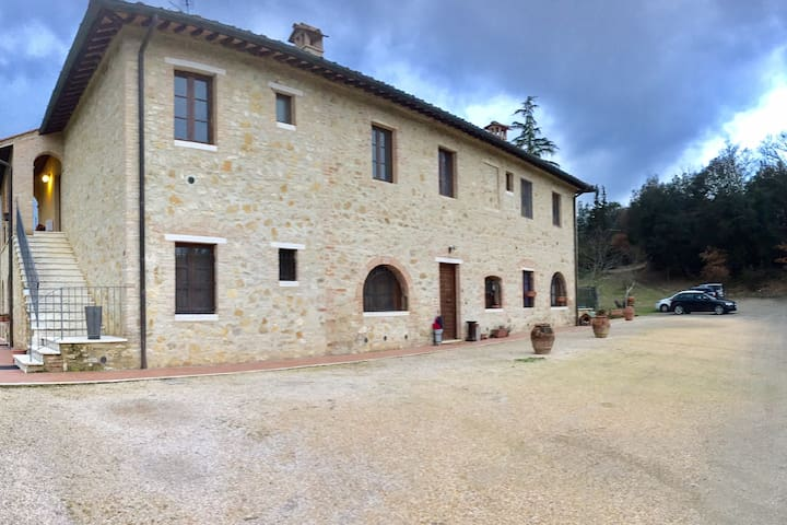 Little house with pool in San Gimignano