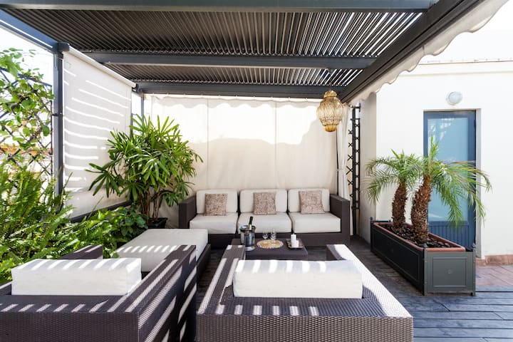City Rooftop Paradise