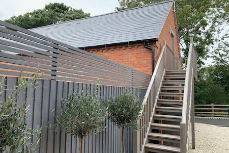 Studio in Lovely Quiet Northamptonshire Village