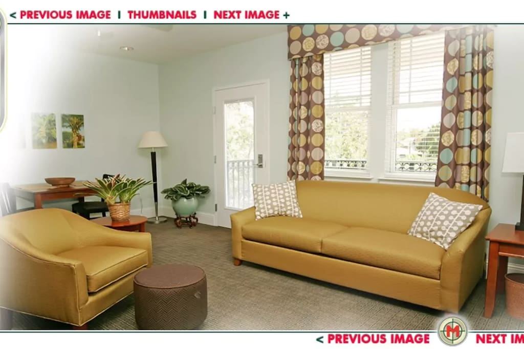 Pull out sofa in the livingroom