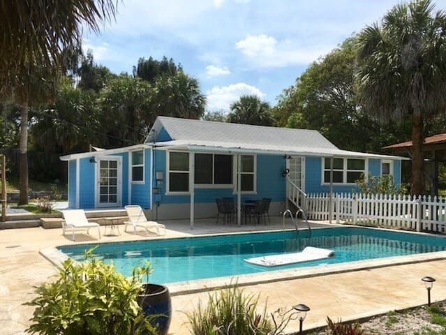 Camp Hobe Sound - Prvt 3/2 House w/ Pool & Parking