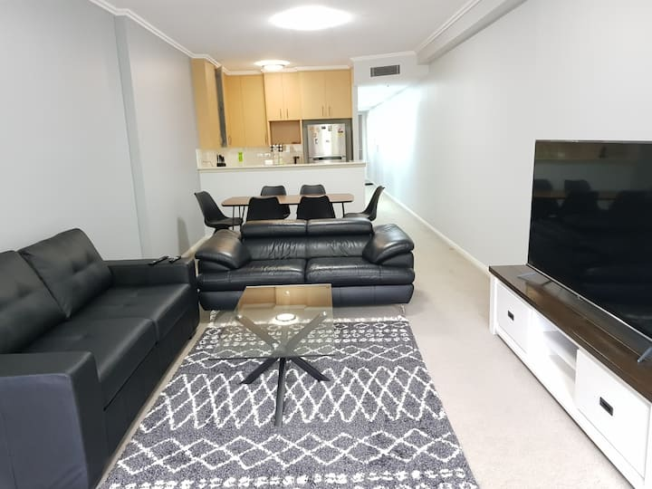 City centre apartment with free parking