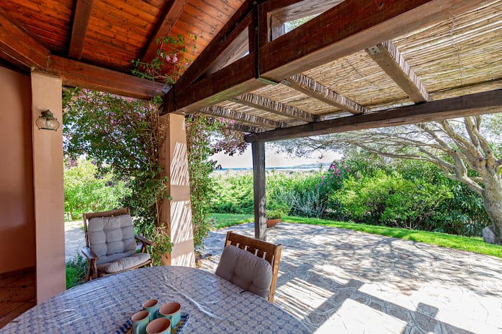 Seaview Gorgeous Sardinian Villa w/ private garden