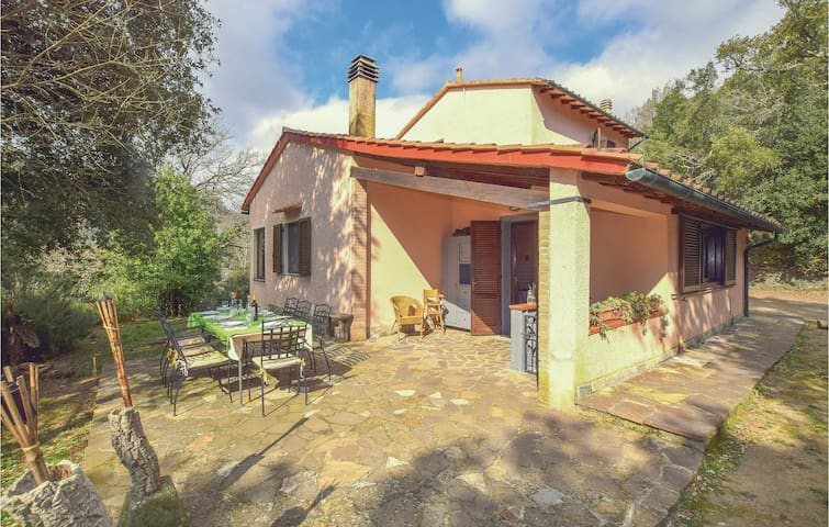 Holiday cottage with 5 bedrooms on 120m² in Sassetta