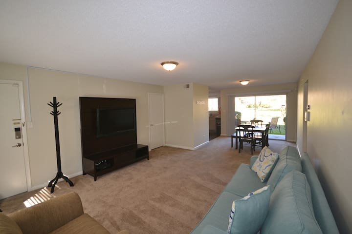 Downtown! Renovated ground floor condo with pool!