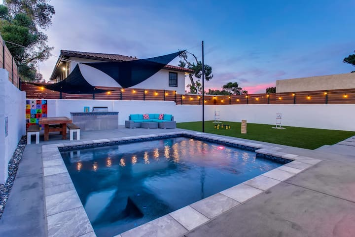 YOUR OWN PRIVATE OASIS BACK YARD WITH HEATED POOL, MASTER BBQ, LOUNGE AND EATING AREA WITH BOTH KID AND ADULT GAMES FOR YOUR ENJOYING PLEASURE - SUNSET PHOTO