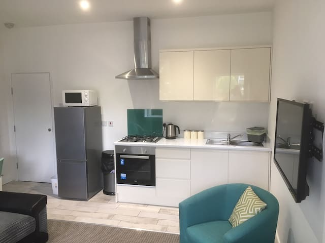 Milne House - Self-contained 2 Bedroom Apartment
