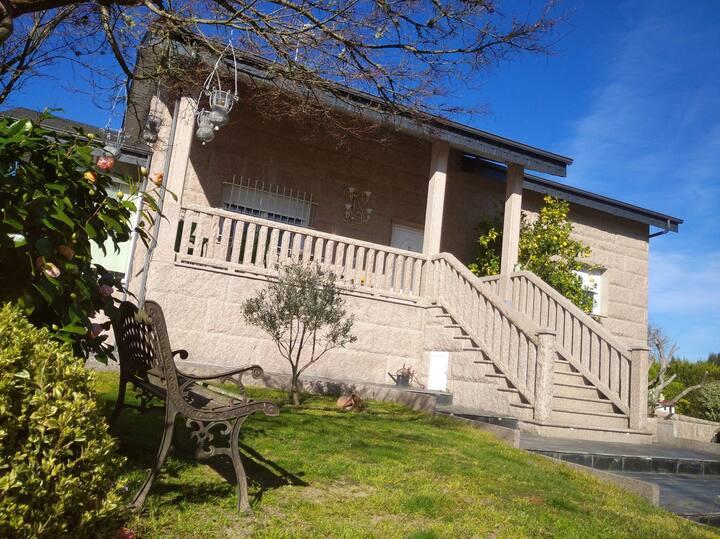 Casa Raposeira 3 dorm, 2 baños, cocina/c huespedes