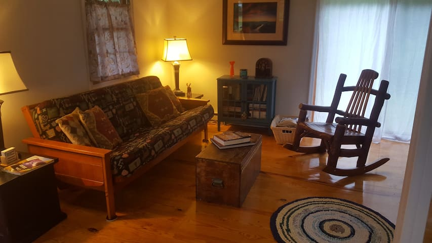Cozy Cabin near Berkeley Springs, WV - Great Cacapon - Rumah