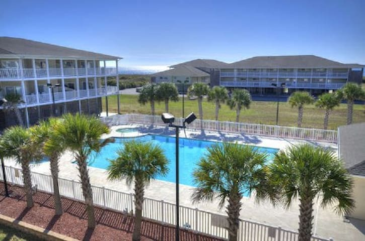 Fully Equipped Beach Haven! - Oak Island - Selveierleilighet