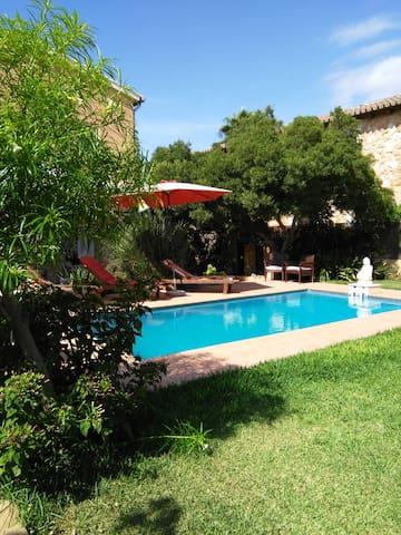 Gepflegte Ferienwohnung mit Pool und Gartennutzung - Badia Blava - Apartment