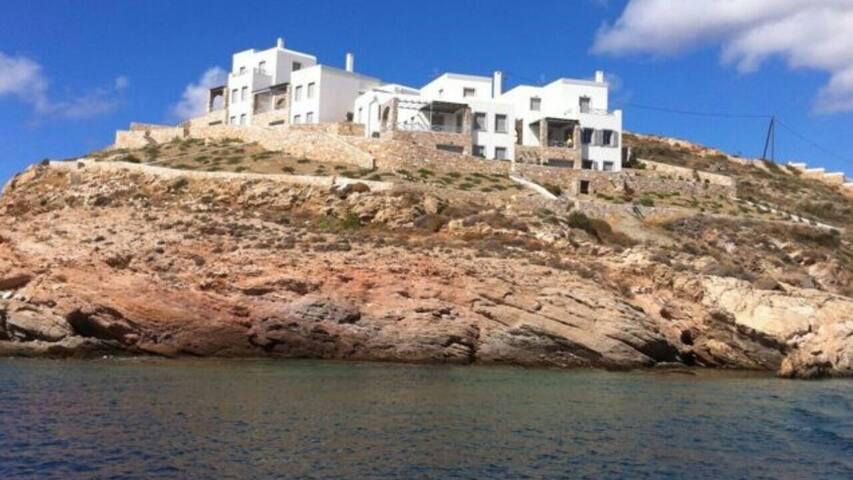 Luxury seafront villa with unique sea view!!