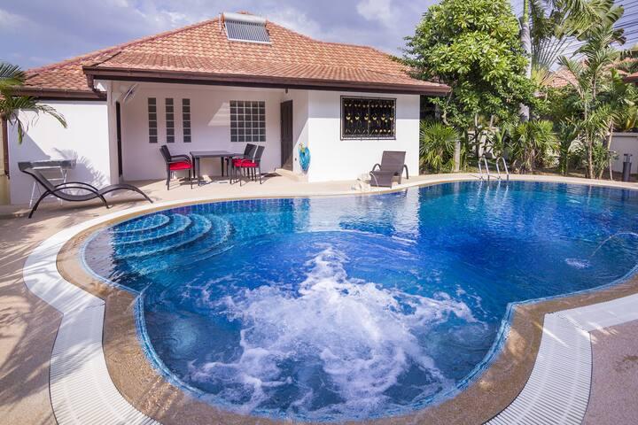 Villa baan Leelawadee met pool - Tambon Makham Yong - Huis