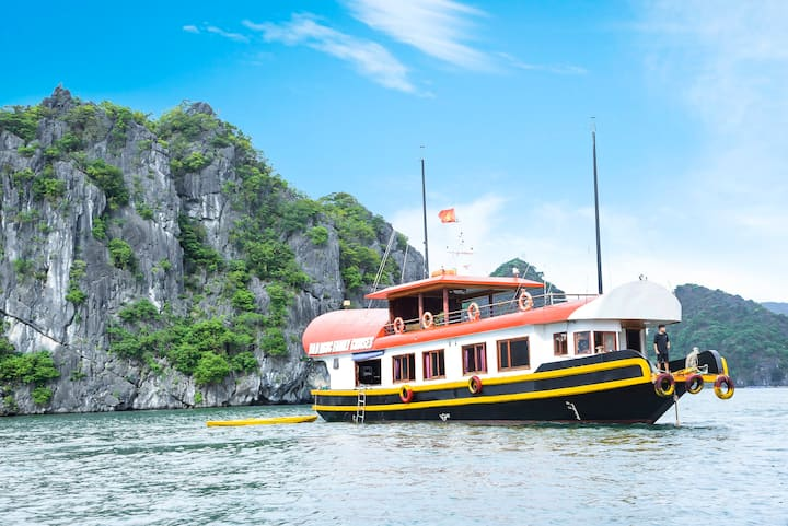 All inclusve 2days package cruising- Cat Ba island