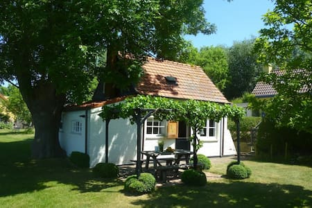 ☀︎ Mini house ✤ Maxi happiness ☛ Relax with a view - Kloosterzande - Zomerhuis/Cottage